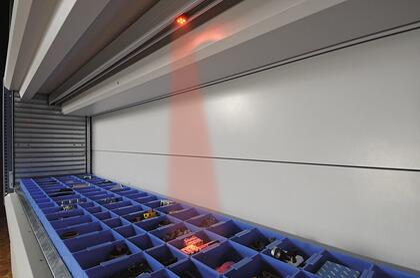 light pointer on vertical lift module